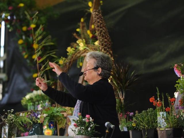 Sarah Hopps from Thirsk gives a talk on All Season Gardens.