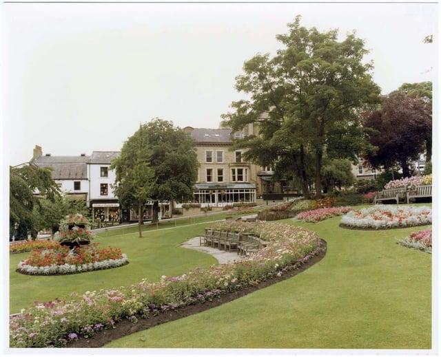 Bettys, 1 Parliament Street, Harrogate, in the 1980s